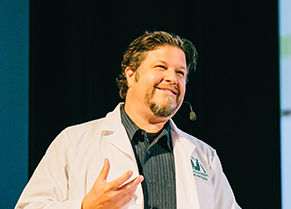 brian-massey-presenting-lab-coat-cta-conference-3